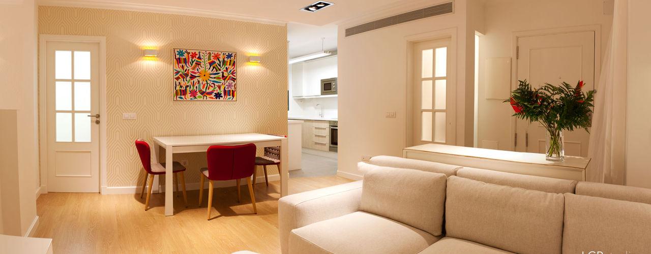LCB studio Modern living room White