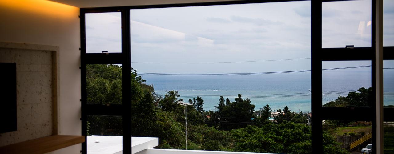 KKZ-house 門一級建築士事務所 モダンな 窓&ドア アルミニウム/亜鉛 黒色