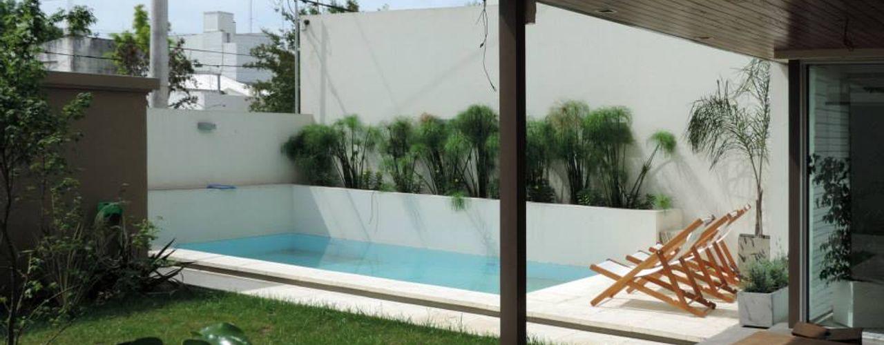 Casa Pueyrredon Pablo Langellotti Arquitectura Piscinas de estilo moderno