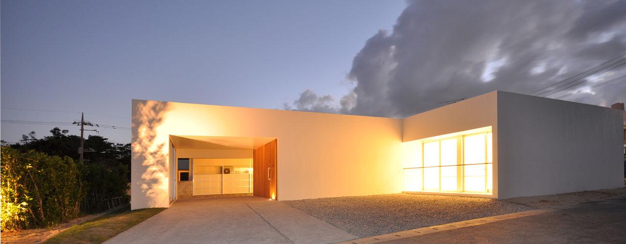 Os-HOUSE 門一級建築士事務所 モダンな 家 鉄筋コンクリート 黒色