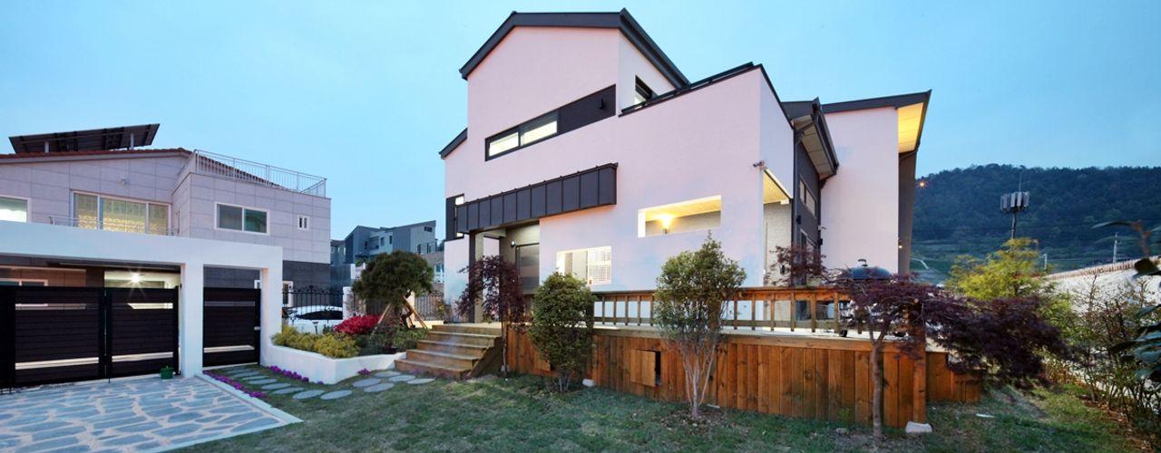 여수 밤바다를 가족 품 안에 (여수 웅천동 주택) 윤성하우징 모던스타일 주택