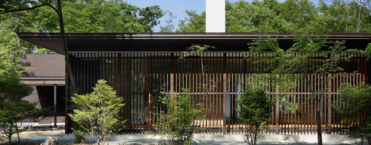 038那須Fさんの家 atelier137 ARCHITECTURAL DESIGN OFFICE クラシカルな 家 木 ブラウン