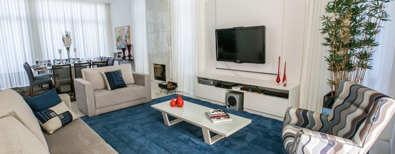 Residencial 1 Bernacki Arquitetura Salas de estar modernas Azul