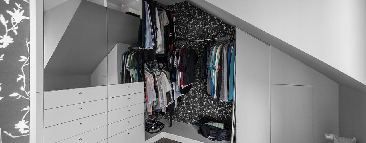 homify Modern dressing room