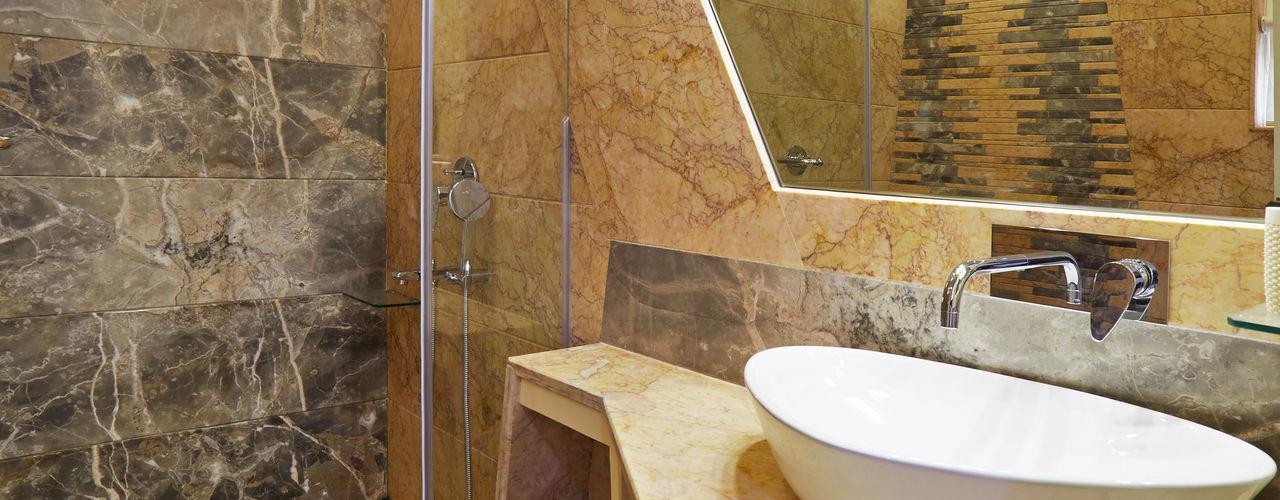 1 Square Designs Baños de estilo moderno