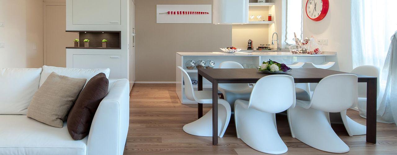 Studio Associato Casiraghi Minimalistyczna jadalnia Drewno O efekcie drewna