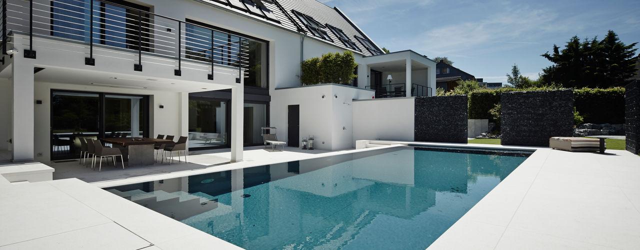 homify Moderne Pools