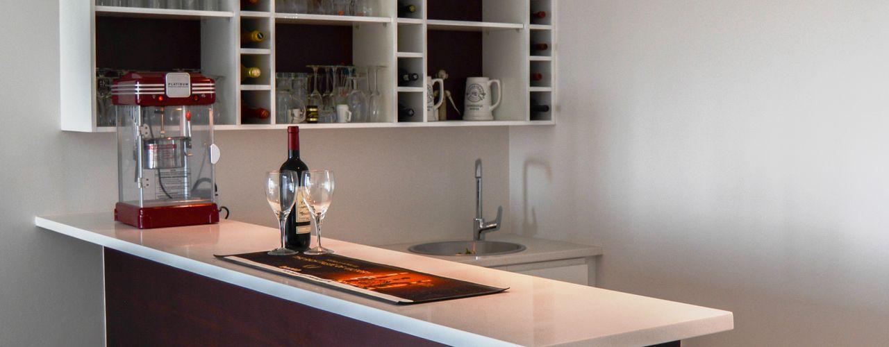 Ergo Designer Kitchens & Cabinetry Modern wine cellar Wood Multicolored