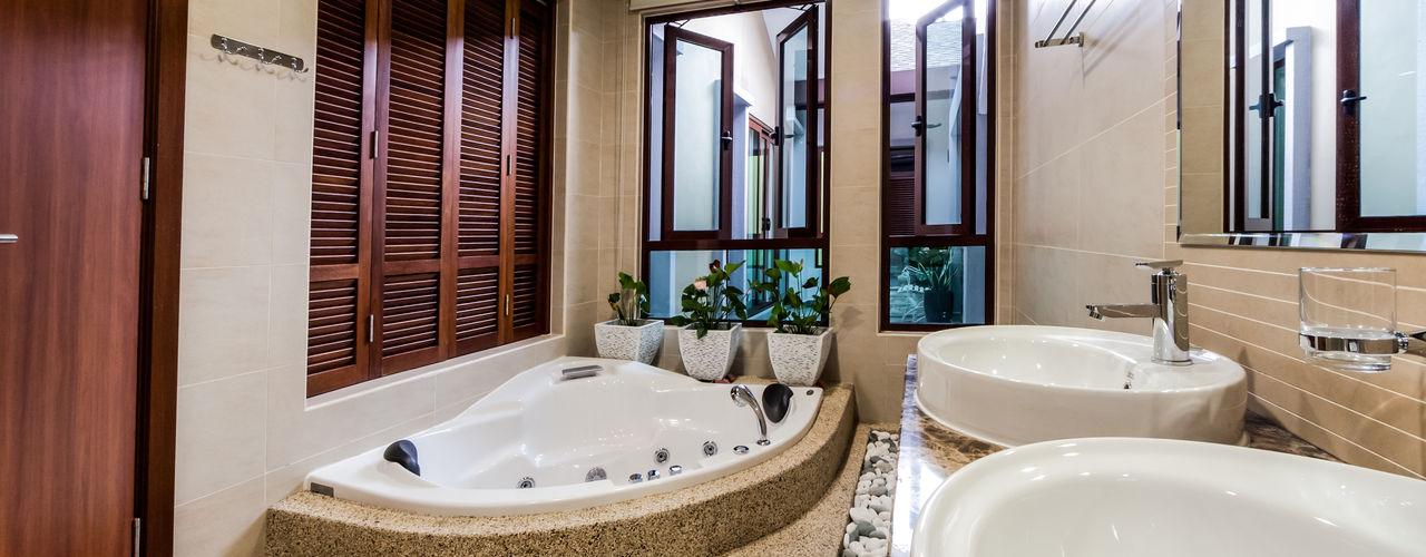 Majestic Contemporary   BUNGALOW Design Spirits Minimalist style bathrooms