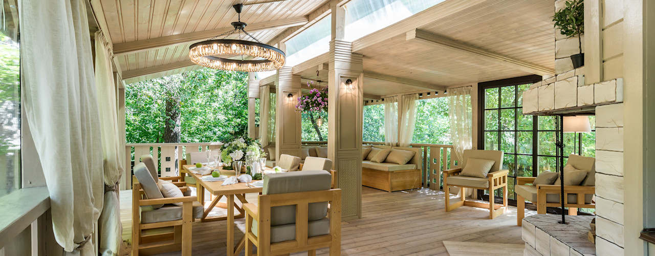 Tony House Interior Design & Decoration Balkon, Beranda & Teras Gaya Industrial