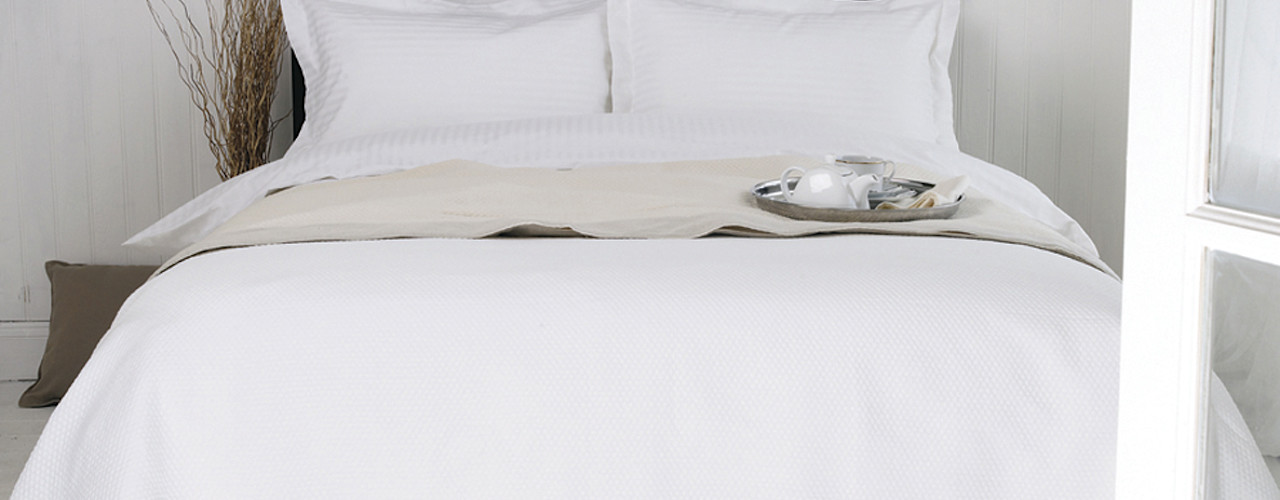 Egyptian Cotton Bedrooms by King of Cotton King of Cotton 臥室布織品 棉 White