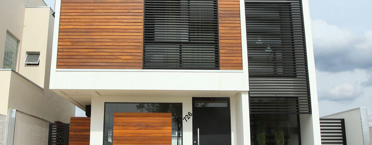 Taguá Arquitetura 現代房屋設計點子、靈感 & 圖片 木頭 White