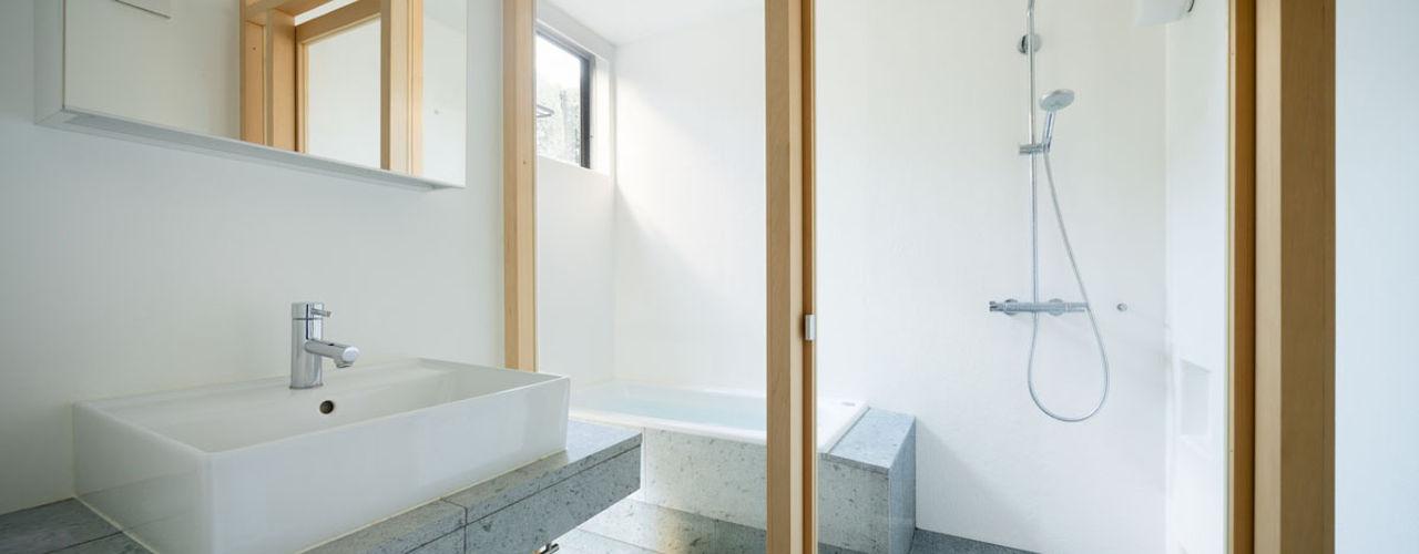 ディンプル建築設計事務所 現代浴室設計點子、靈感&圖片