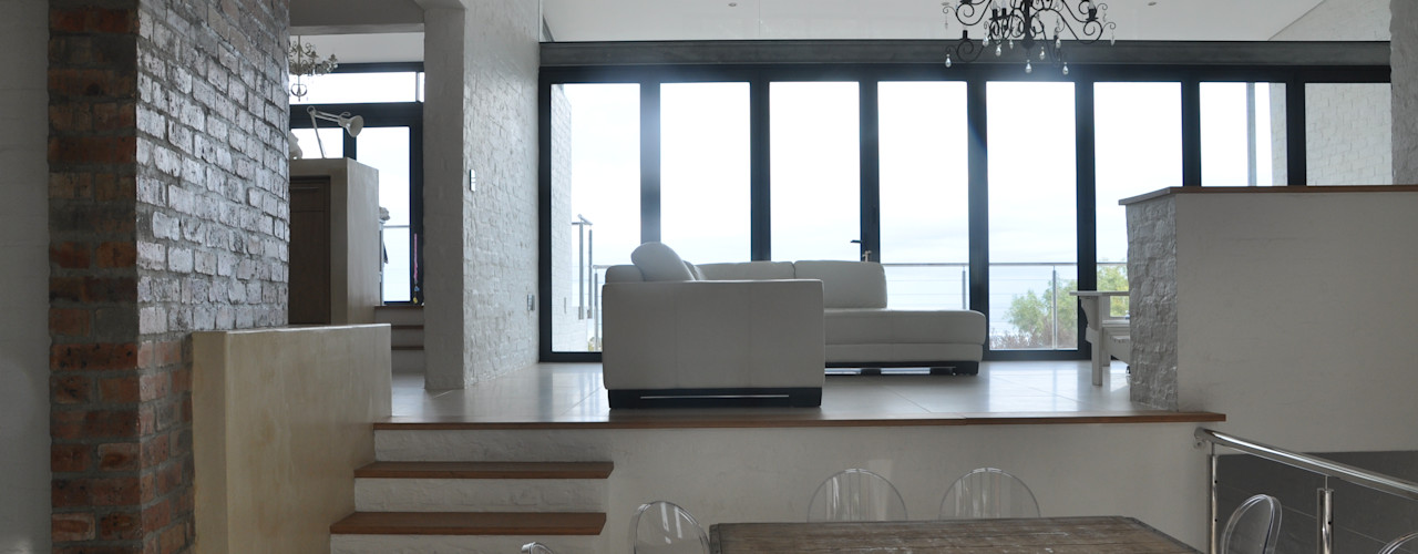 HOLIDAY HOME CONVERSION Gallagher Lourens Architects Modern living room