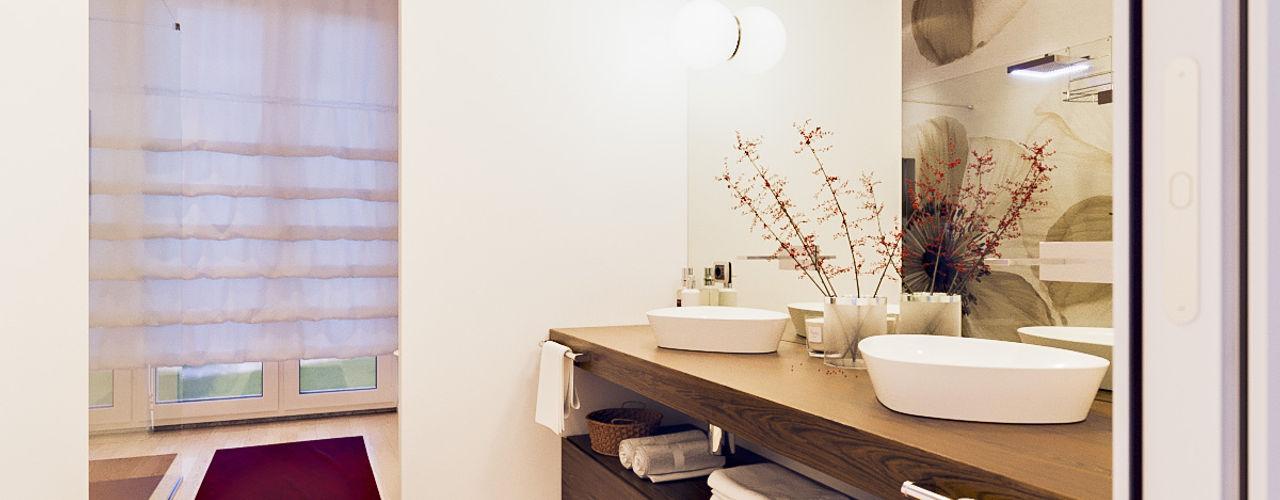 Un attico in stile loft in Milano Annalisa Carli Bagno moderno Legno Beige