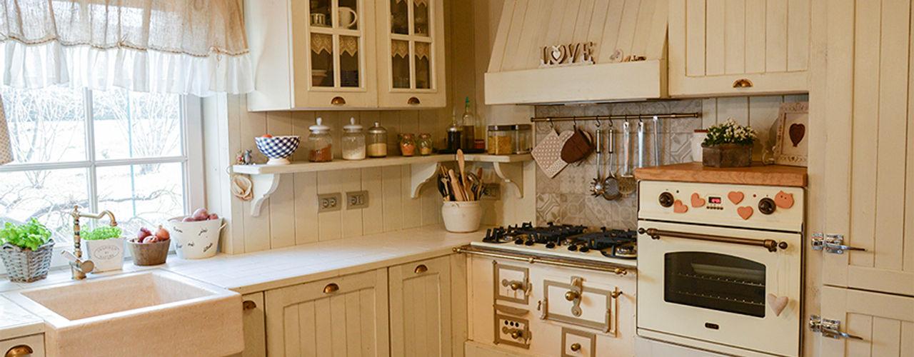 SHABBY CHIC DESIGN RI-NOVO Cucina eclettica Legno Beige