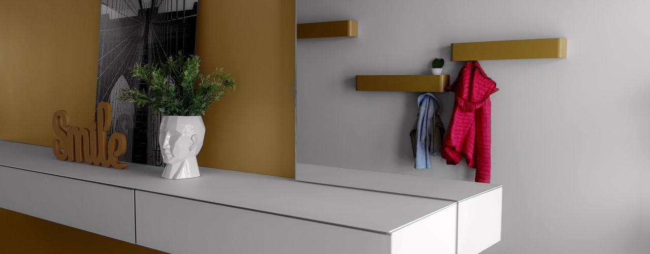 MD Creative Lab - Architettura & Design Moderner Flur, Diele & Treppenhaus Gelb