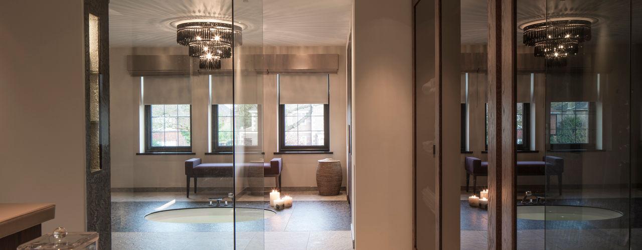 Broad Walk: Winchmore Hill Roselind Wilson Design Modern bathroom