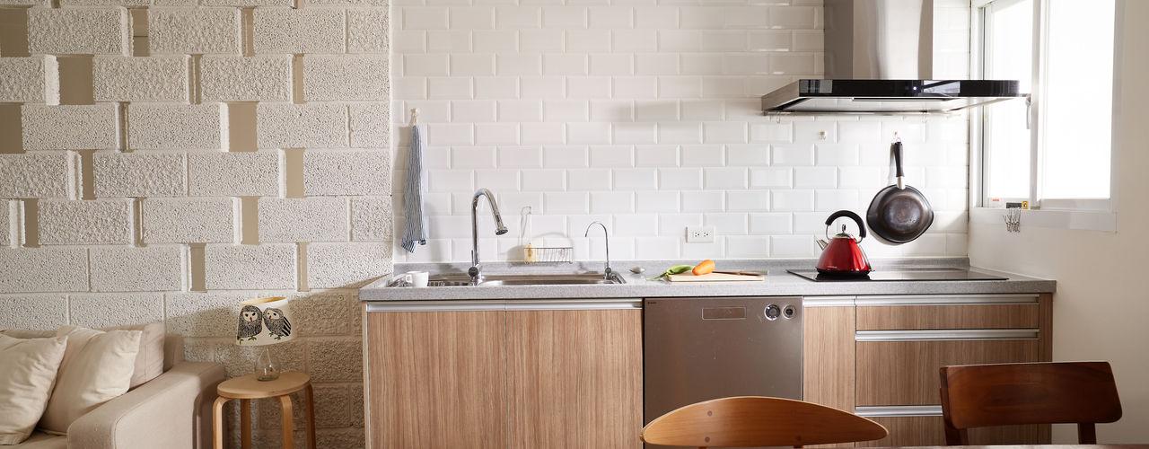 newborn 弘悅國際室內裝修有限公司 現代廚房設計點子、靈感&圖片 OSB Wood effect