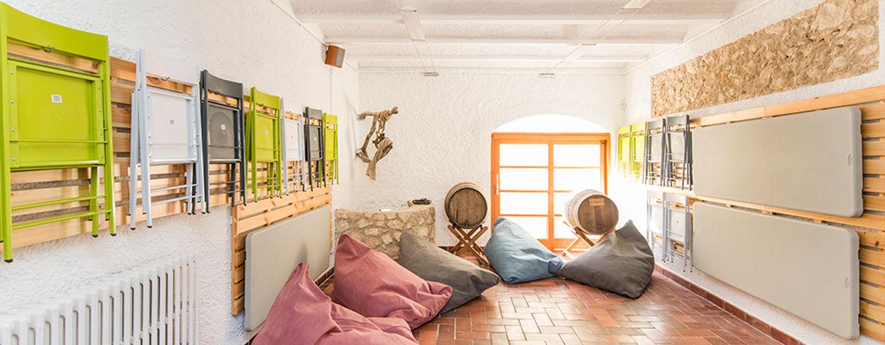 Silvia R. Mallafré Garage/Rimessa in stile moderno