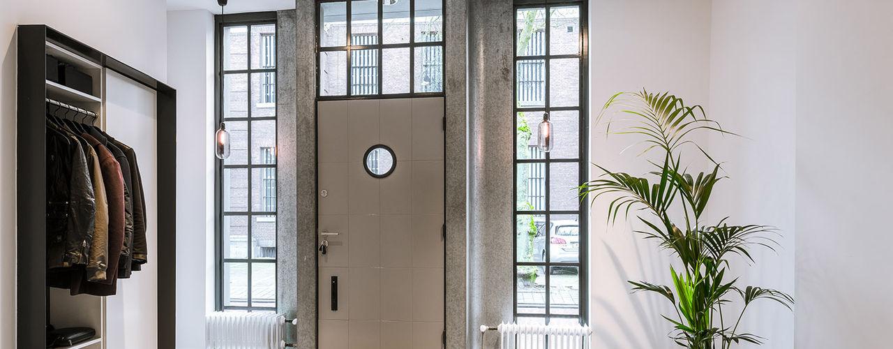 EVA architecten Modern style doors