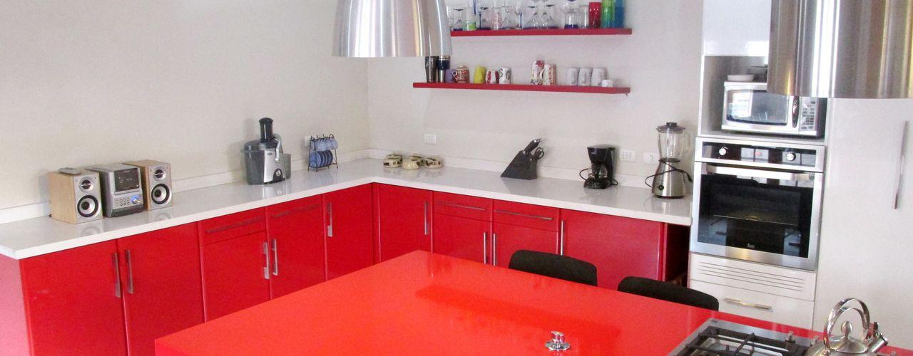 ABS Diseños & Muebles CocinaEstanterías y gavetas Cuarzo Rojo