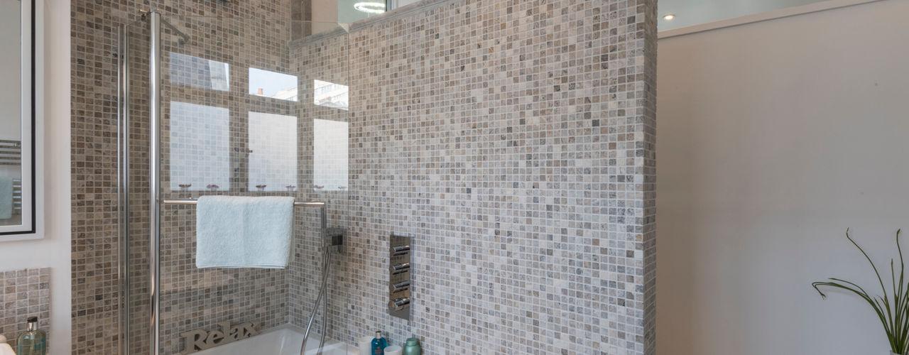 Bachelor Pad - Hyde Park Prestige Architects By Marco Braghiroli Classic style bathroom