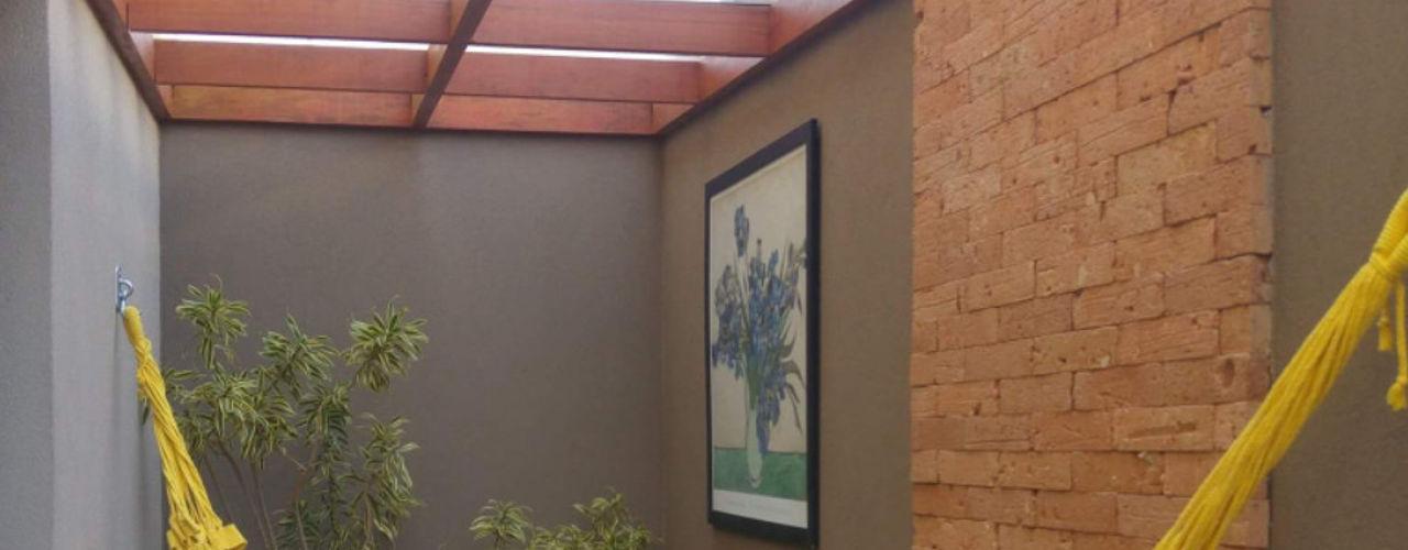 Projeto de reforma residencial! Arquiteta Carol Algodoal Arquitetura e Interiores Corredores, halls e escadas modernos Madeira Efeito de madeira