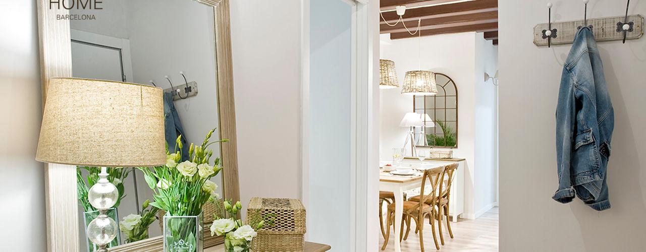 Proyecto Ramblas Nice home barcelona Pasillos, vestíbulos y escaleras de estilo mediterráneo