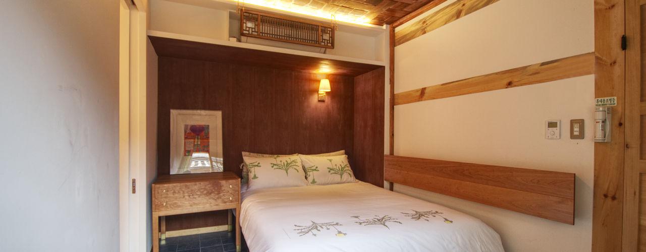'Hyehwa1938' - korean modern traditional house 참우리건축 아시아스타일 침실