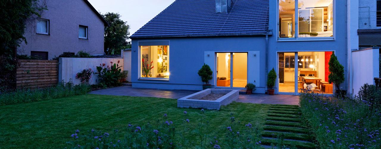 Haus für einen Architekten Grotegut Architekten Einfamilienhaus Grau