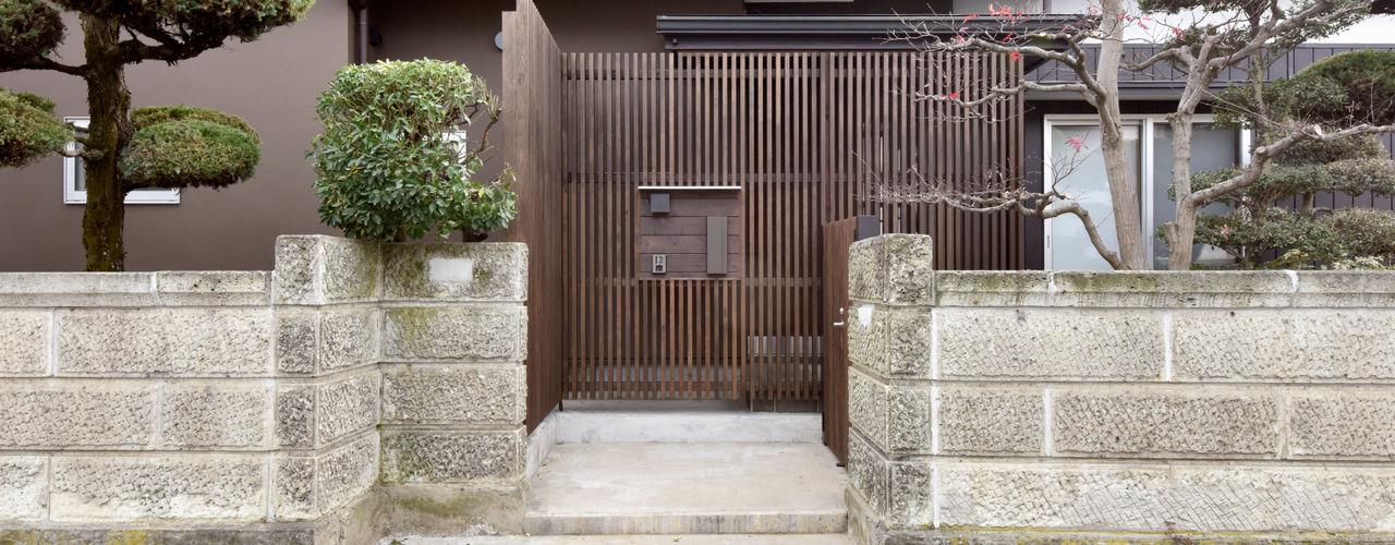 (有)中尾英己建築設計事務所 現代風玄關、走廊與階梯