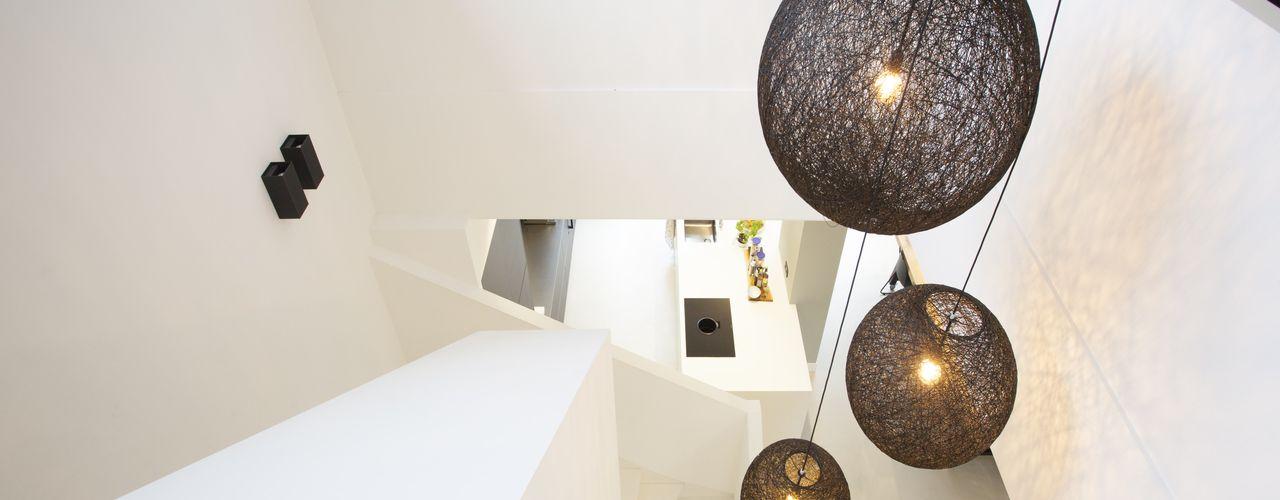Thijssen Verheijden Architecture & Management درج White