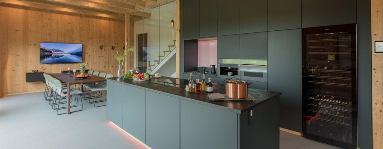 Smart Home - vernetztes Wohnen Studio Meuleneers Küchenzeile