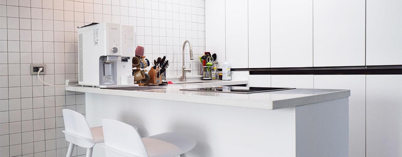 리인홈인테리어디자인스튜디오 Cocinas de estilo moderno