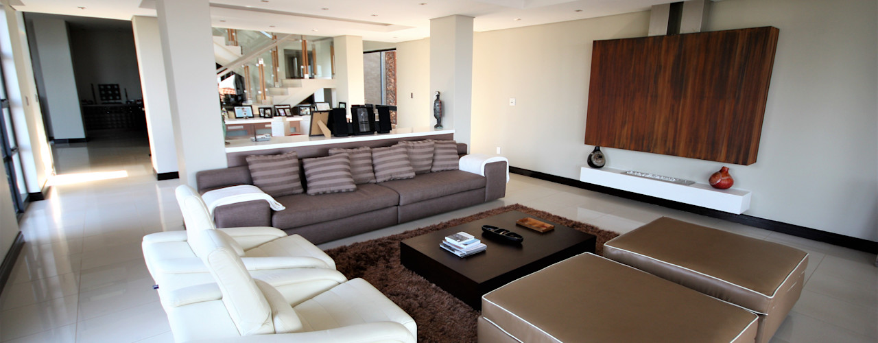 House Radcliff Estate Nuclei Lifestyle Design Modern living room Brown