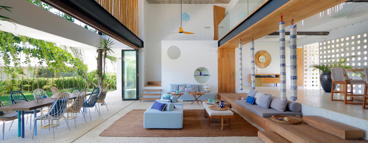 Seascape Villa Word of Mouth House Tropical style living room