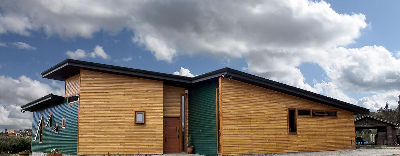 Intermedio Arquitectos Wooden doors