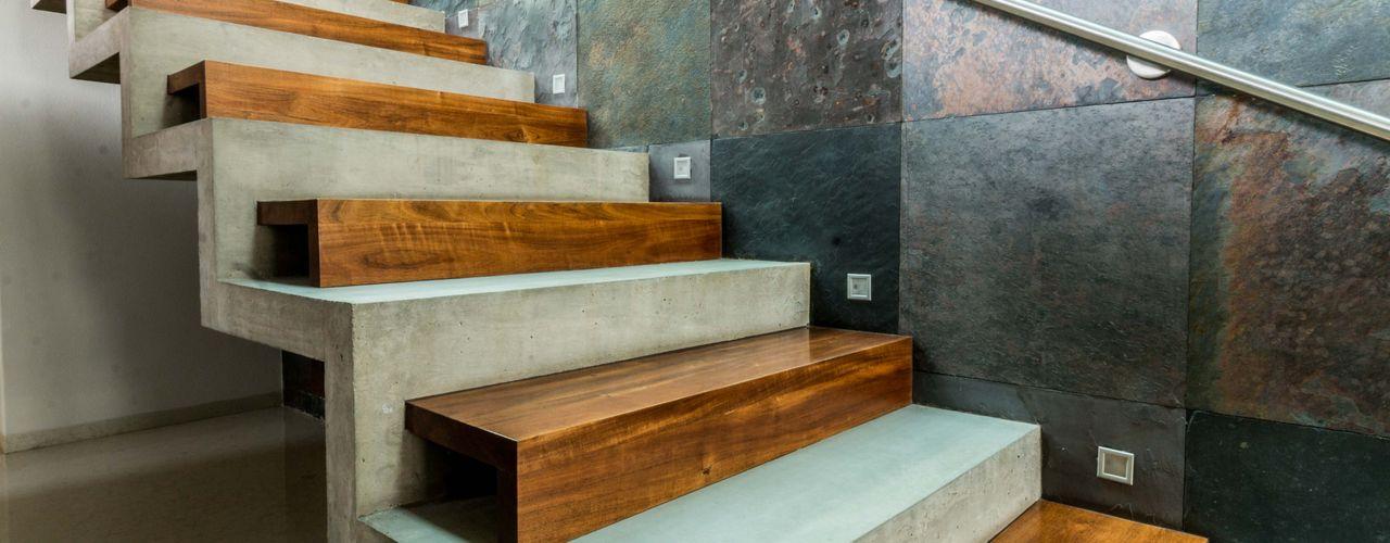 JN-01 GRUPO VOLTA Escaleras Concreto Gris