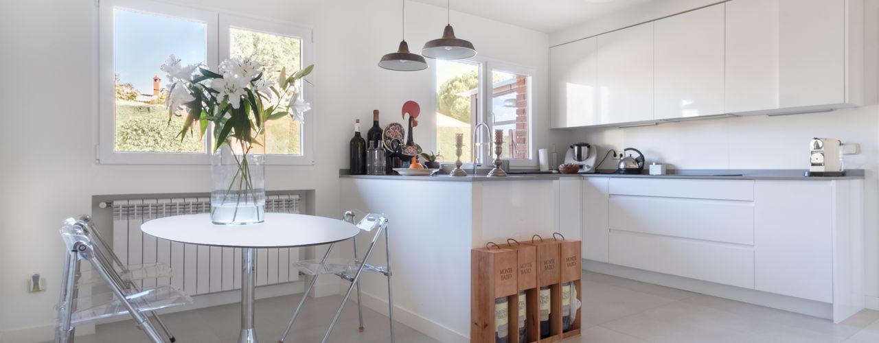 Arquigestiona Reformas S.L. Moderne Küchen