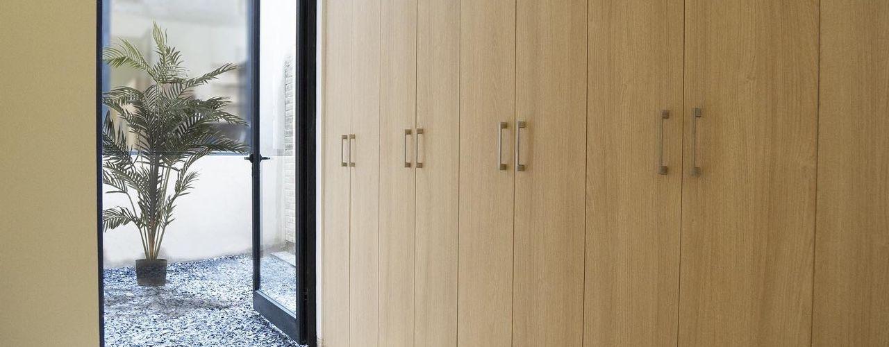 Proyecto Obrero Mundial 384. MOKALI Carpintería Residencial RecámarasArmarios y cómodas