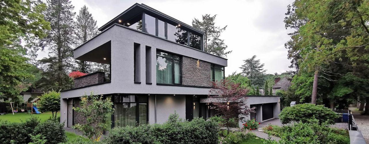 Moderne Villa im Wald in Potsdam Avantecture GmbH Villa Weiß