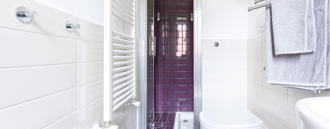 Il Lambertone Conteduca Panella architetti Bagno in stile scandinavo Ceramica Viola/Ciclamino
