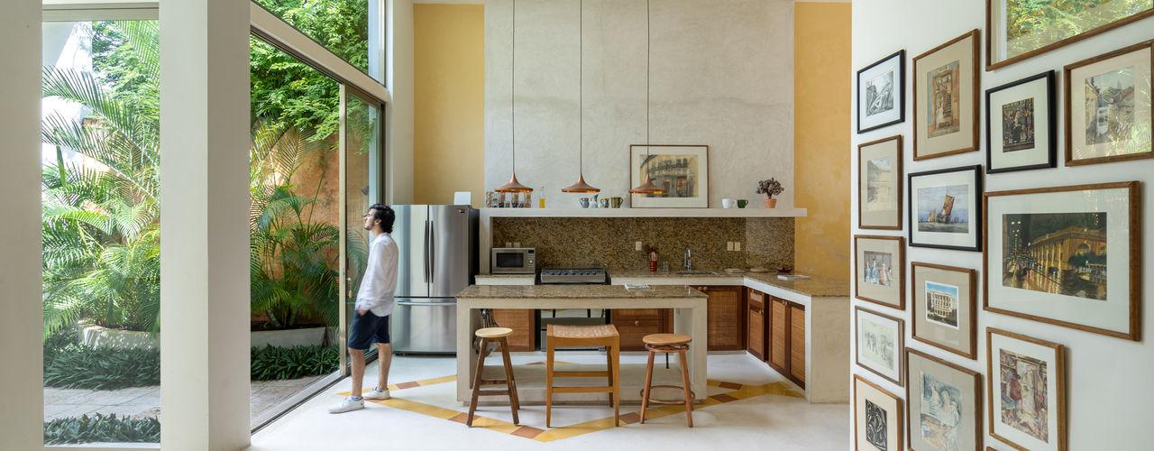 Taller Estilo Arquitectura Nhà bếp phong cách hiện đại