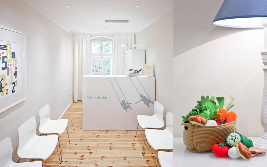 """Praxis """"Wunderkind"""" Berlin Moderne Geschäftsräume & Stores von BERLINRODEO interior concepts GmbH Modern"""