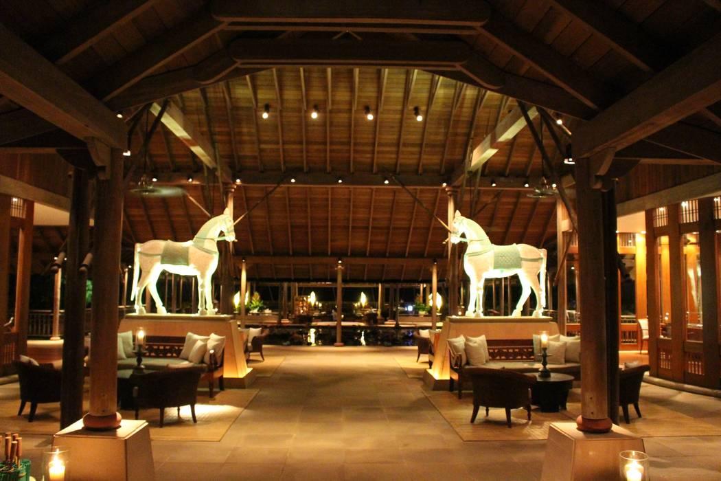 Foyer Asiatischer Flur, Diele & Treppenhaus von Philipp Asiatisch Holz Holznachbildung