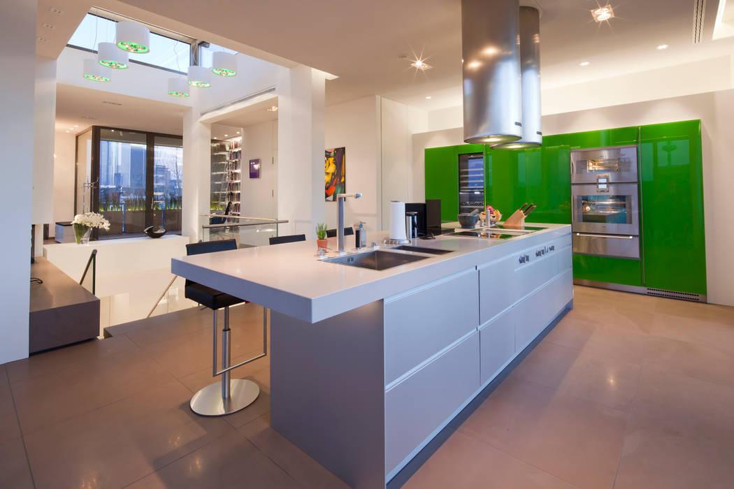 Küche in Apple Ggreen...:  Küche von KERN-DESIGN GmbH Innenarchitektur + Einrichtung