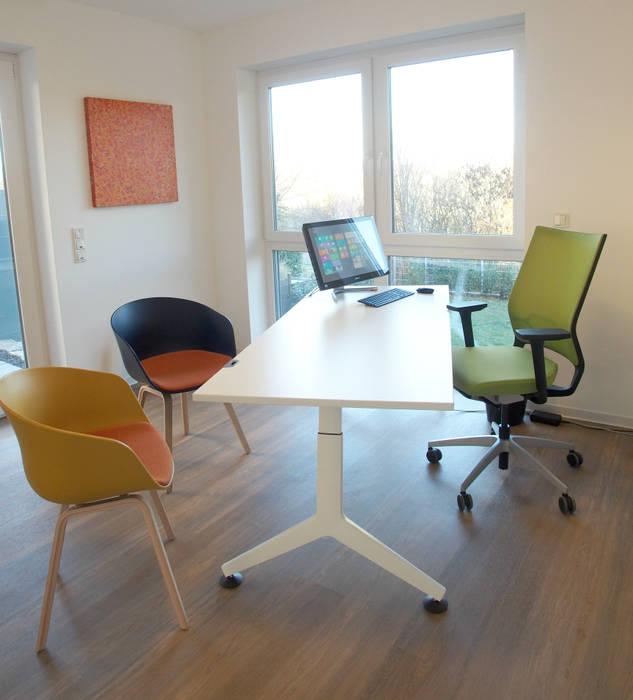 Büro für Bauglück: moderne Arbeitszimmer von Einrichtungsideen