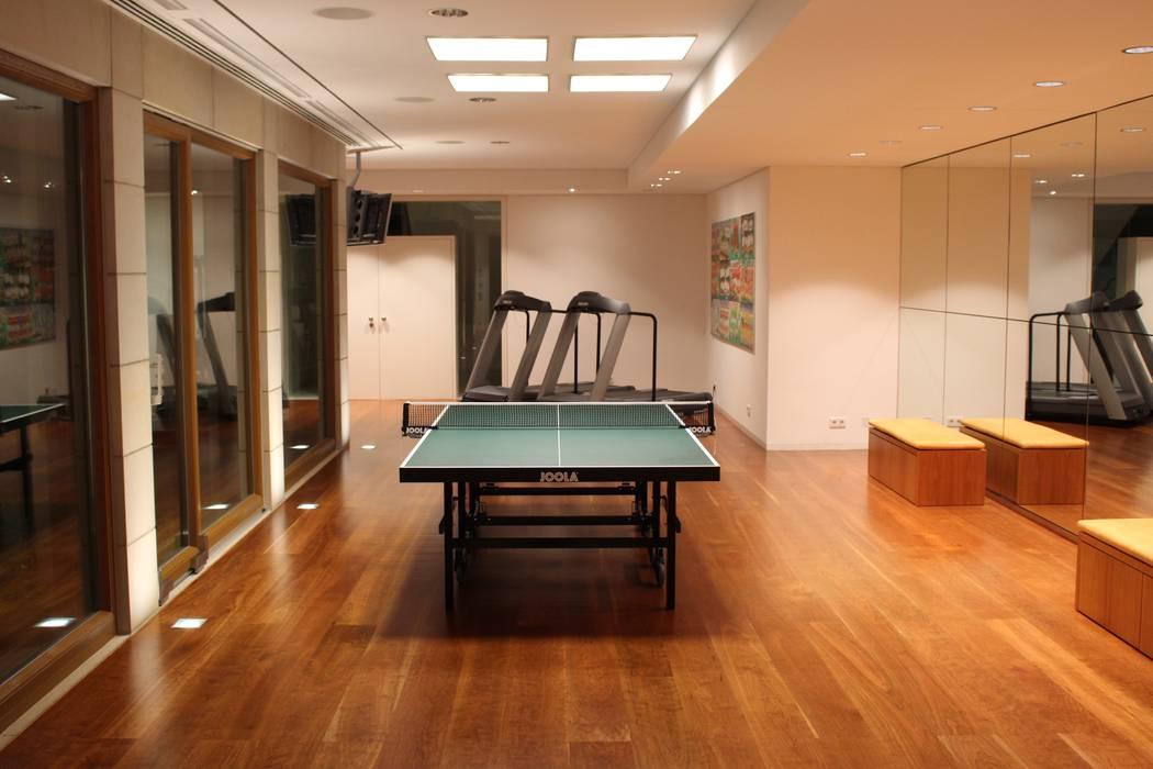 Tischtennis Moderner Fitnessraum von Architekten Graf + Graf Modern