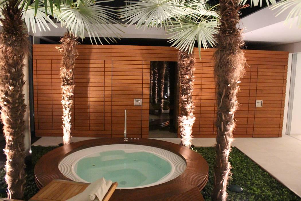 Whirlpool: modernes Spa von Architekten Graf + Graf